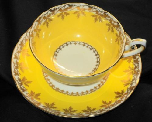 SHELLEY YELLOW MAPLE LEAF GOLD LINCOLN TEA CUP AND SAUCER