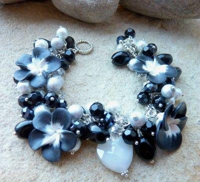 Black & White Floral charm bracelet $30 @Luulla