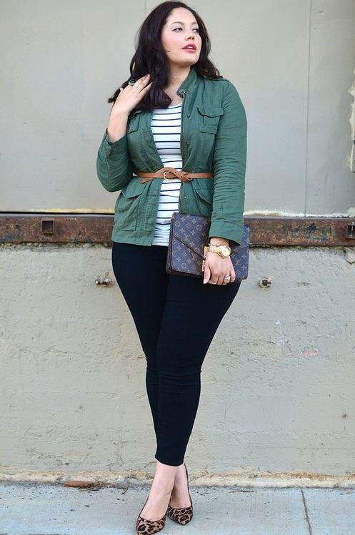 Great blog - girl with curves. Recreate this outfit using striped shirt, cargo vest, belt, black skinnies and leopard flats.: