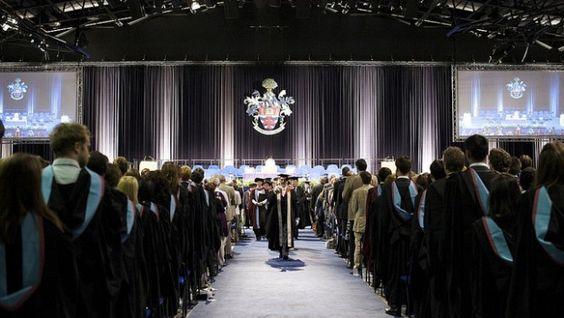 Escribiendo la Historia de las Graduaciones en México. http://graduaciones.org/