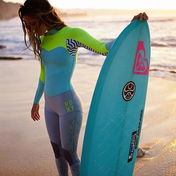 From dawn patrol to sunset sessions ROXY wetsuits have you covered #ROXYsurf @monycaeleogram