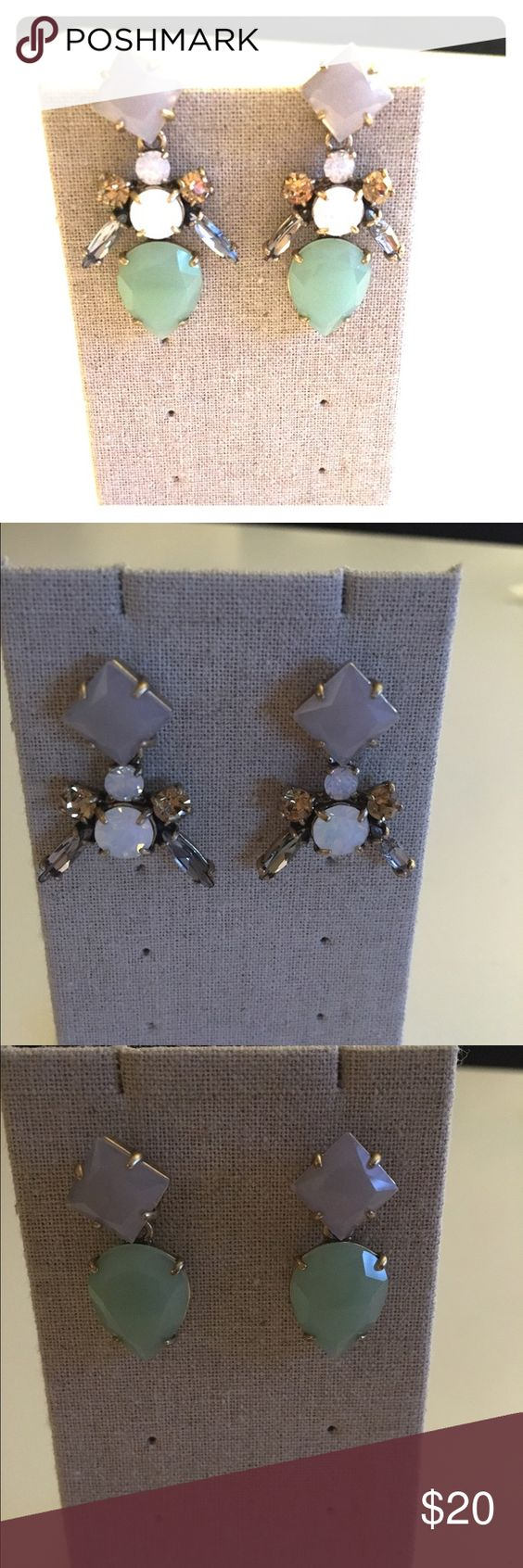 Versatile chandelier earings Post earrings, can be work 4 different ways, worn 1 time. Gold finish. Stella & Dot Jewelry Earrings