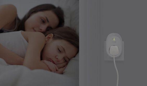 TP-LINK HS110 | WLAN Steckdose mit Verbrauchsanzeige  Der TP-LINK HS110 unterstützt automatische Schaltfunktionen per Zeitplan oder Zufallssteuerung. Der Smart Plug ist Amazon Echo kompatibel. Die TP-LINK WLAN Steckdose funktioniert (jedenfalls bei uns) problemlos und macht einen sehr guten Gesamteindruck. Auch die Amazon-Kunden geben zur Zeit 5 von 5 Punkten.  #smarthome #automation #plug #tech #wlan #hausautomation