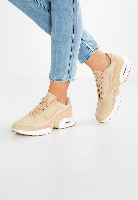 basket femme nike air max jewell