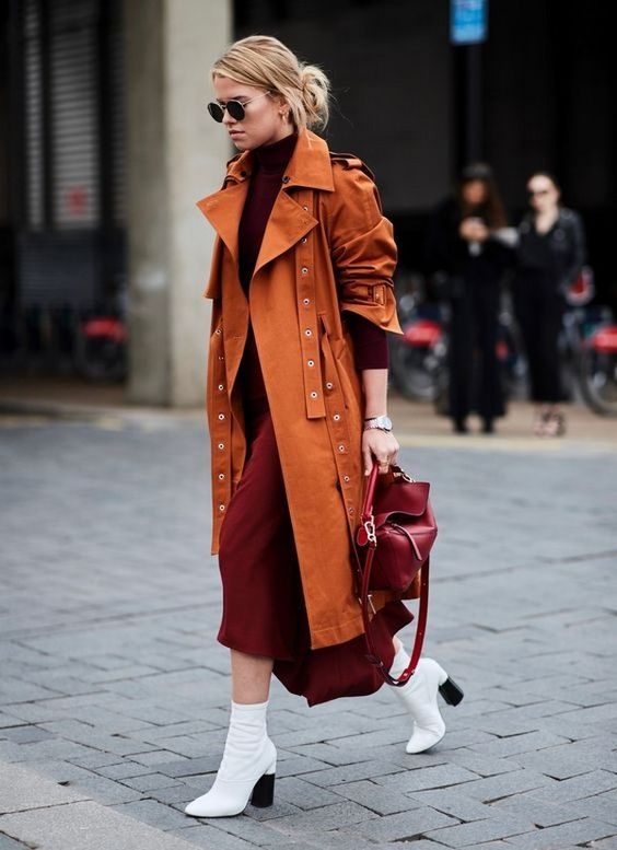 London Fashion Week Fall-Winter 2018 2019 Street Style: A particularly beautiful combination is white boots with brown tones! #fashionweek #london #streetstyle #outfits #shoes credit: imaxtree