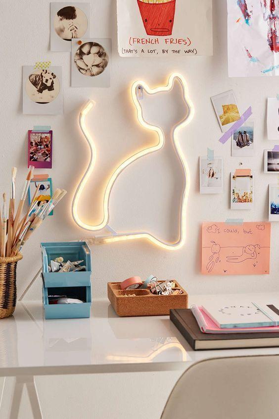 LED Cat Light