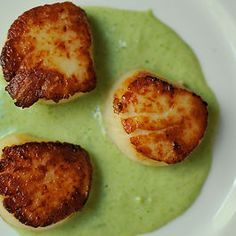 Tricks for Grilling Scallops -- GREAT TIPS here about cleaning, chilling, grilling & glazing