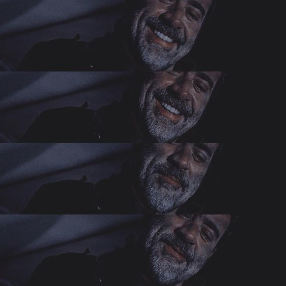 Jeffrey Dean Morgan has amazing smile  love ❤️ him  Negan