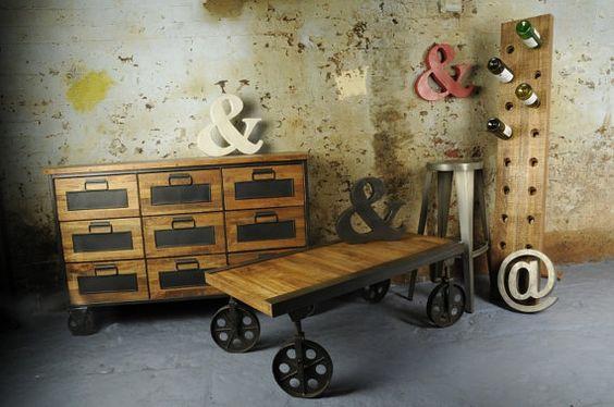Bois de mangue industriel Vintage panier chariot Table à café.