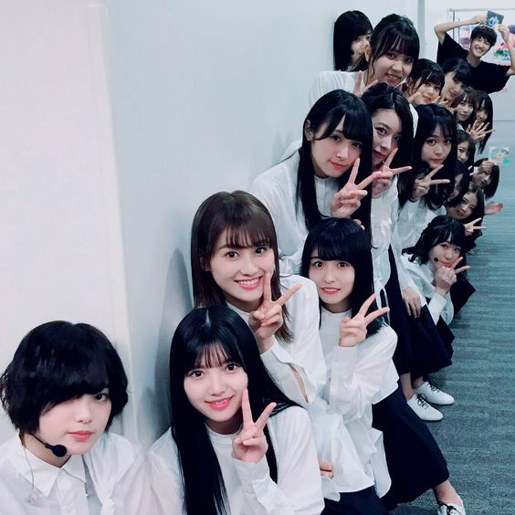 欅坂46の集合写真01