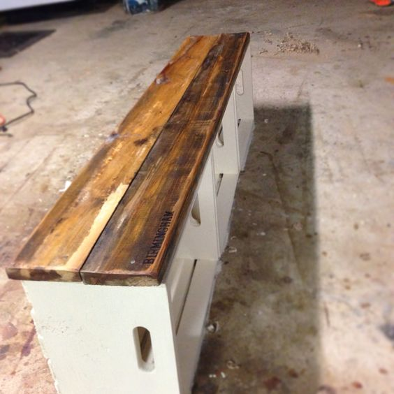 Milk crate bench scrap wood projects pinterest front for Wood crate bench