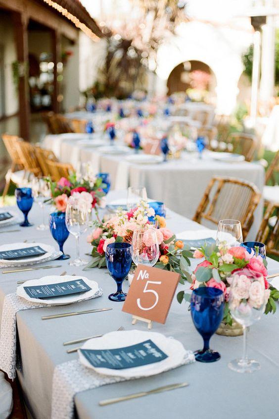 La Tavola Fine Linen Rental: Tuscany Natural with Ballard Indigo Napkins | Photography: Anna Delores Photography, Event Planning: Vanessa Noel Events, Floral Design: The Little Branch, Venue: Casa Romantica