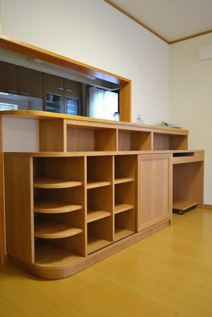 対面キッチンカウンター下の収納技 画像 アイデア Diy Ikea ニトリ 自作 作り方 Naver まとめ Home Decor Storage Decor