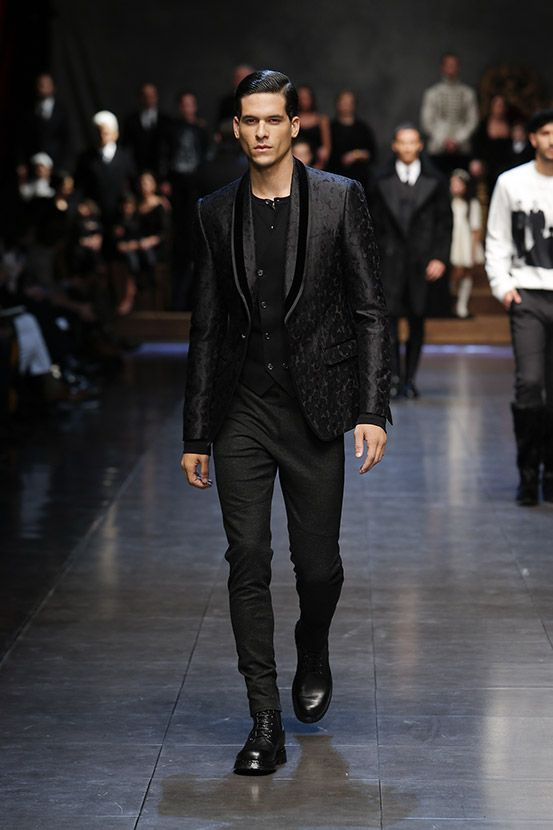 Discover Videos and Pictures of Dolce & Gabbana Fall Winter 2015 2016 Menswear Fashion Show on Dolcegabbana.com.