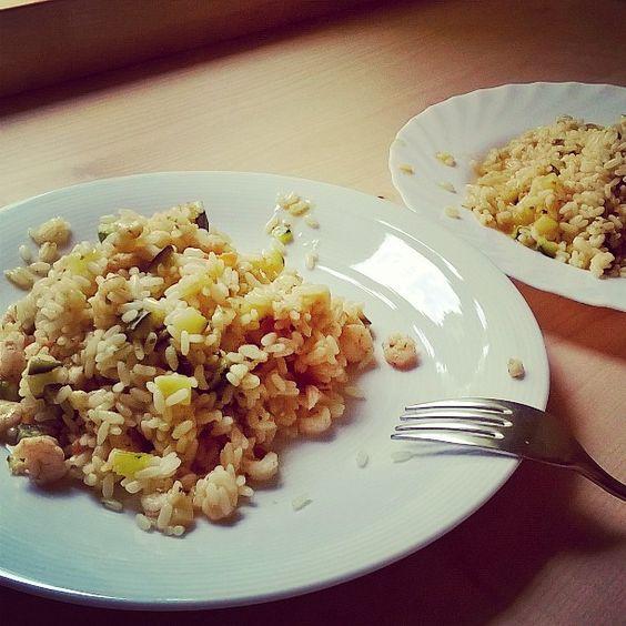 #comecipiacemangiare  #risotto #pesce #risottodipesce #gamberetti #verdure #zucchine #primopiatto #foodporn #foodcraft #instafood #instamoment