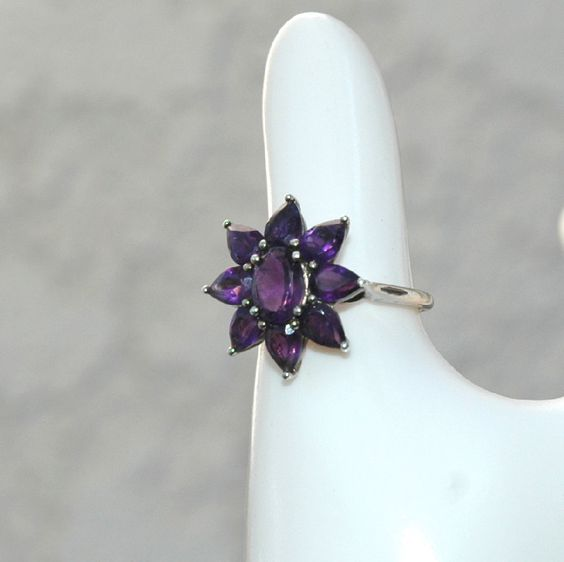 Vintage Simulated Amethyst Sterling Silver Flower Ring.