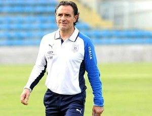 Cesare Prandelli em treino da Itália 25.06.2013
