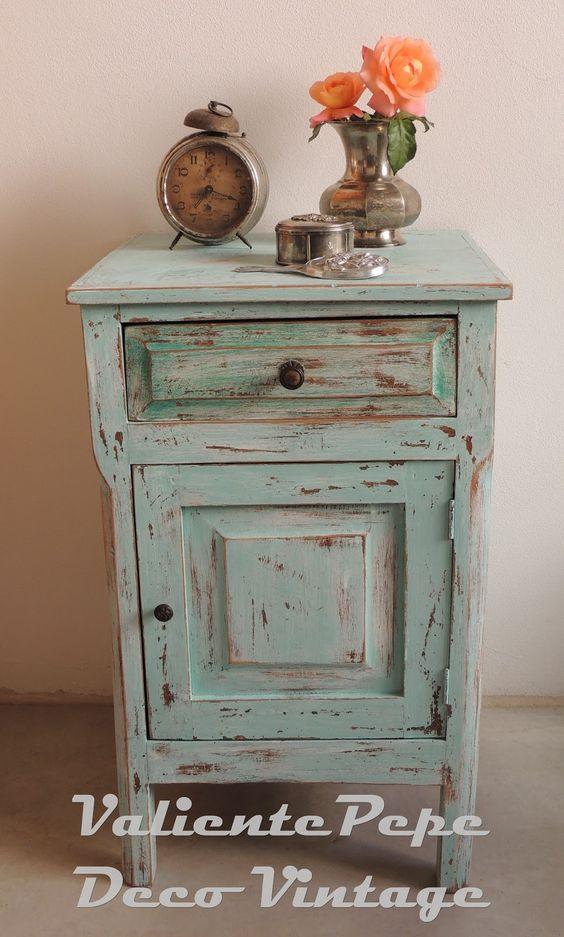 Mesa de luz vintage decapada en aguamarina muebles - Mesa shabby chic ...