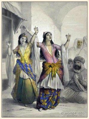 Egypt traditional dance costumes. Arabian girls dresses ...