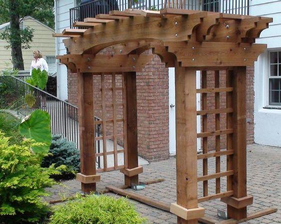 Entrance arbors pergolas italian 1675 a pergola for Craftsman style trellis
