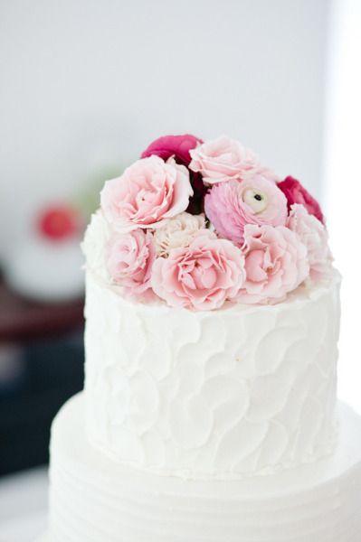 Cake icing/flowers