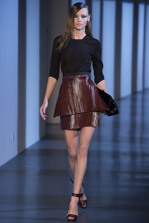 Mugler Spring 2013 Ready-to-Wear Fashion Show - Mila Krasnoiarova (SILENT)