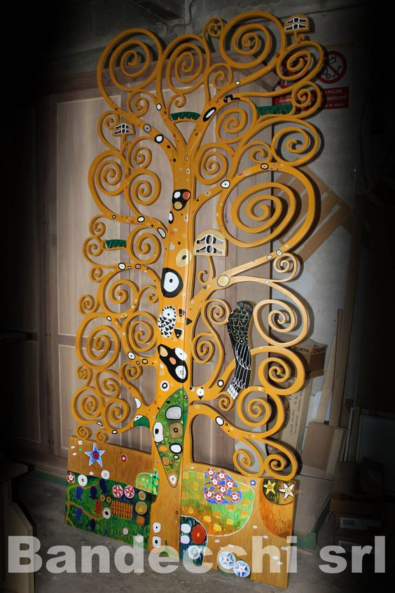 Divisorio albero della vita ispirato al famoso dipinto di - Famoso letto di tortura ...