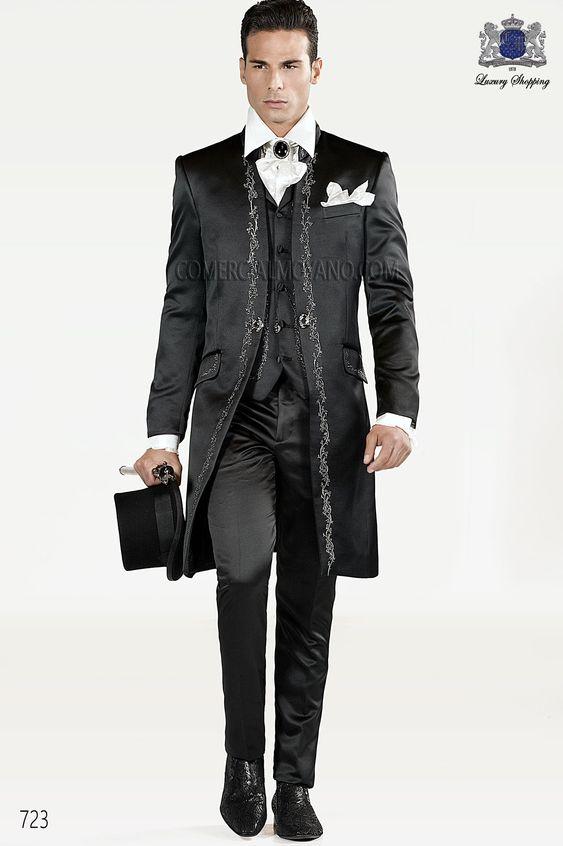 Traje de novio italiano Levita en raso negro con bordado floral en plata y cuello Mao, modelo 723 Ottavio Nuccio Gala colección Barroco 2015.