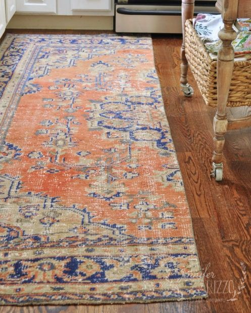 Vintage Woven Rug In The Kitchen Alfombras Suelos