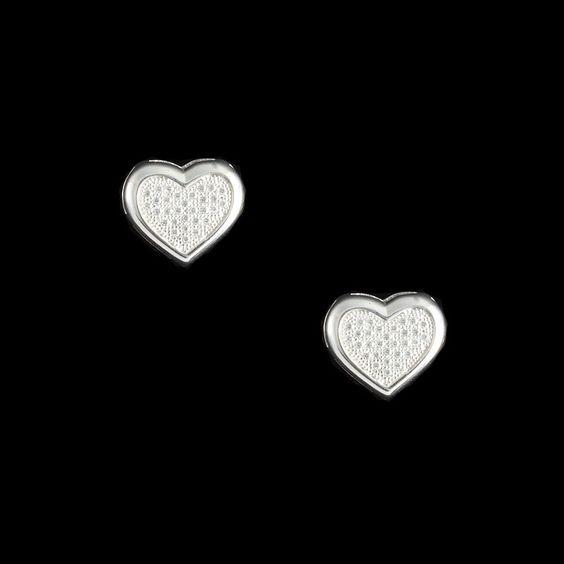 Brinco Coração Pave White. Para dar um toque romântico à sua produção.