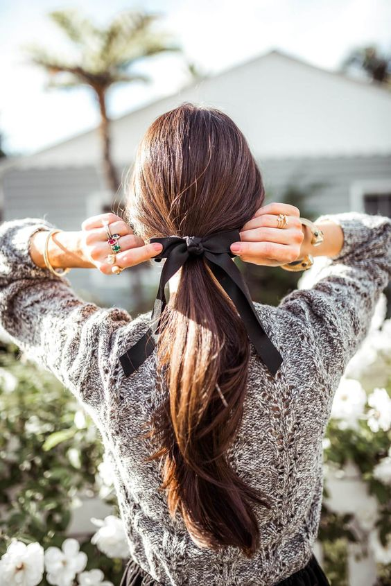 a simple bow to update your look hairstyles this winter - M Loves M @marmar