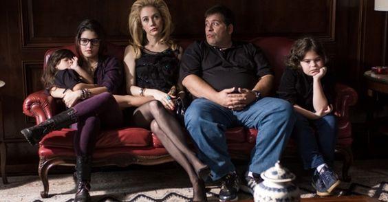 Danielle Winits não faz mais parte do elenco da comédia Até Que a Sorte Nos Separe 2 e é substituída pela atriz Camila Morgado. | Leia mais em: http://www.dicasfilme.com/2013/07/camila-morgado-substitui-danielle-winits-em-ate-que-a-morte-nos-separe-2.html