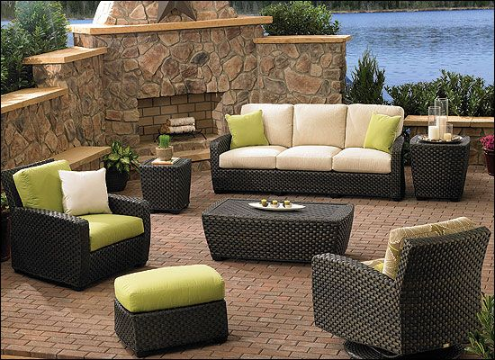 Decorating ideas for your patio and conservatory for Covered deck furniture