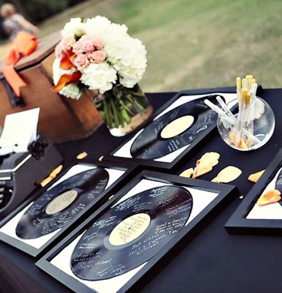 This vinyl record guestbook is SO clever.