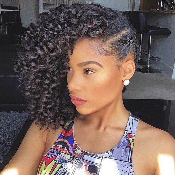 HAIRSPIRATION| In love with this #curly pin over style on @itsmyrayeraye➰➰➰ Such a cute #summer style Baby hair on point and a flawless beat #VoiceOfHair ________________________________ What's your style profile? Find your style in our eBook! Visit VoiceOfHair.com to get it
