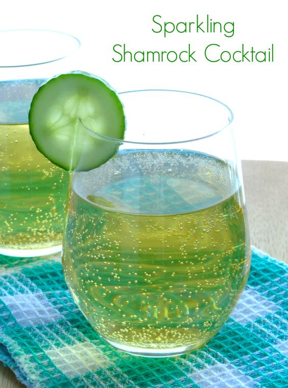 Sparkling Shamrock Cocktail Recipe - the perfect St Patrick's Day drink for those who can't stand green beer! | www.pinkrecipebox.com: