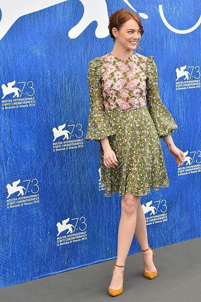 Robe de soirée verte florale Emma Stone en Venice Film Festival
