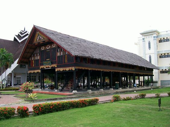 875f537a9d10c7d4381c34a2a265b8e1 traditional house indonesia