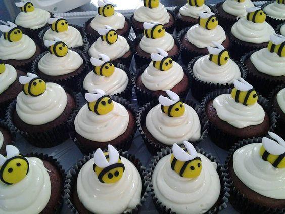 Cupcake de chocolate e mel