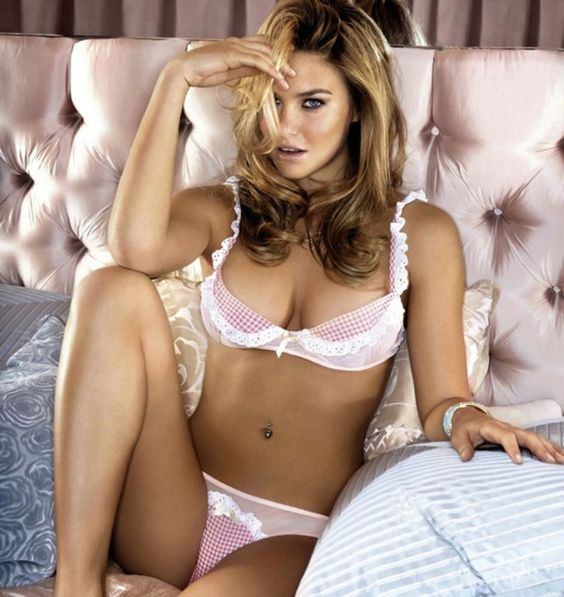 Bar Rafaeli in intimate