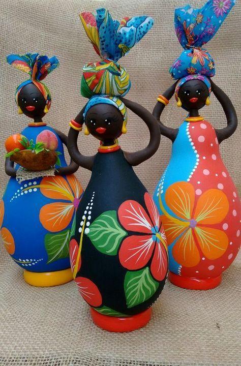 Aprende cómo hacer una linda africana con botellas recicladas | Botellas  recicladas, Artesanías con botellas de vino, Artesanía de botella