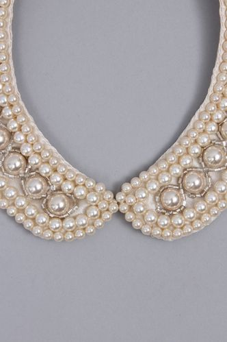 Lily Brown Pearl Collar