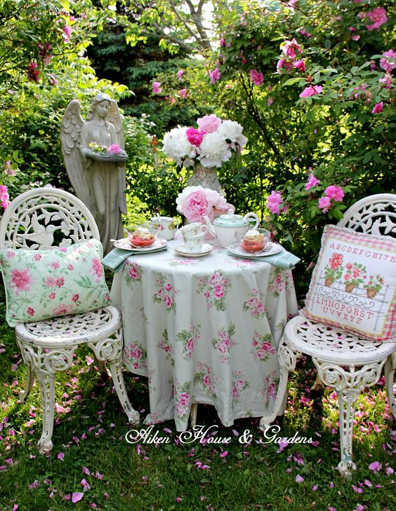 Aiken House & Gardens: Rose Garden Tea