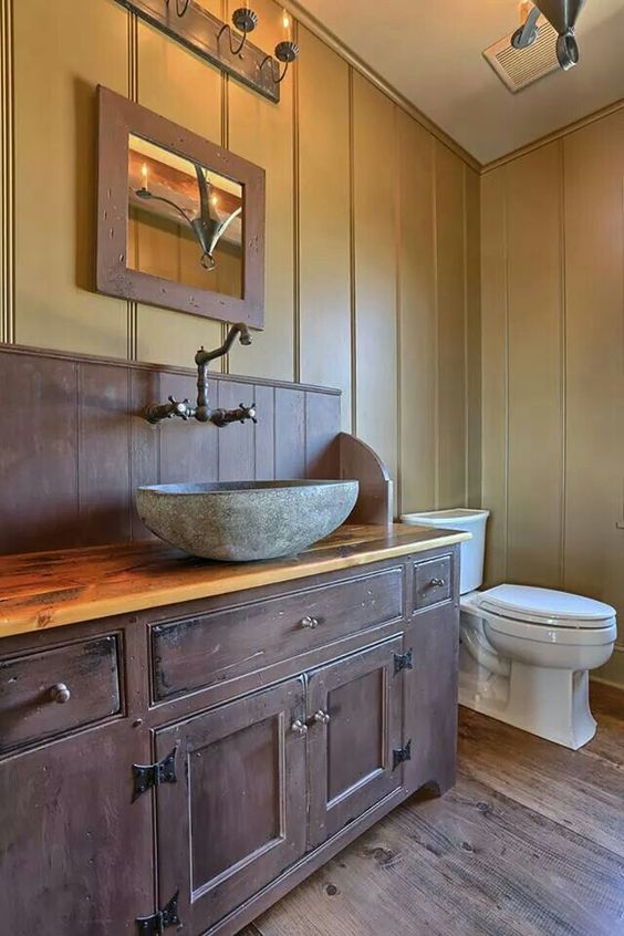 Classic colonial homes bathrooms country vintage prim for Colonial style bathroom vanities