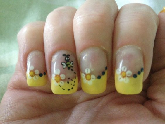 Bumble bee nails - a manicure gift card!
