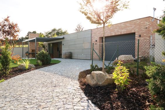 garage, wine cellar, party room, barbecue place