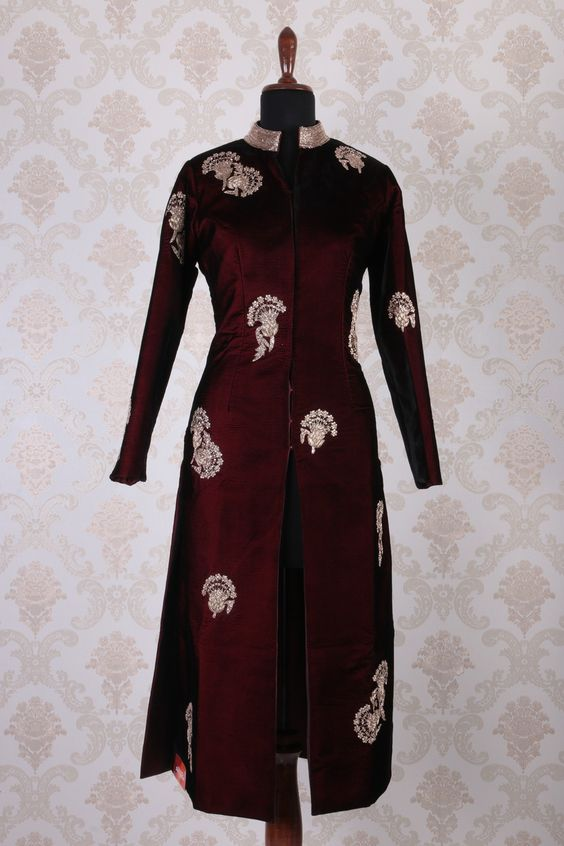 Dark #maroon & #gold velvet presentable embroidered #kameez with chinese collar -SL4372