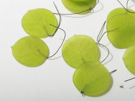 (12) Czech Bohemian rare vintage green wired glass lampworked head pins leaves