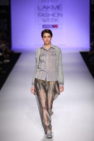 Akaaro by Gaurav Jai Gupta. LFW S/S 14'. Indian Couture.