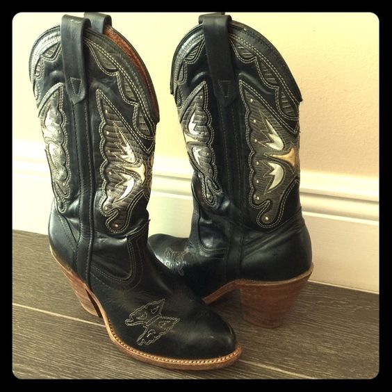 Vintage Butterfly Cowboy Boots Beautiful butterfly details. Hard ...